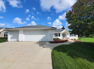Sheboygan Falls Single Family Home For Sale: 986 River Meadows Dr