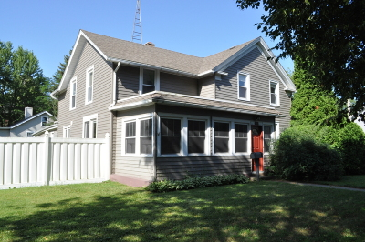 Racine County Single Family Home For Sale: 373 W Chestnut St
