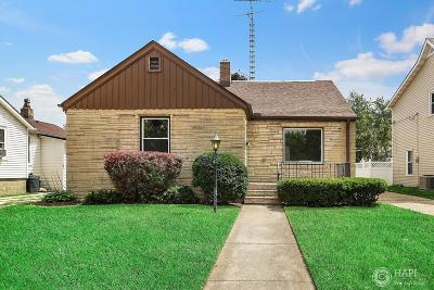 Kenosha Single Family Home For Sale: 7827 14th Ave