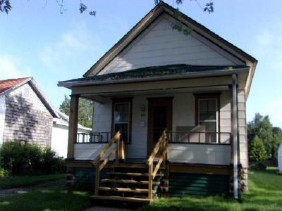 Menominee Single Family Home For Sale: 808 15th Ave.