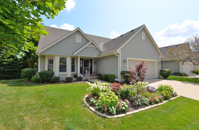 Racine County Condo/Townhouse Active Contingent With Offer: 2452 Circle E Dr