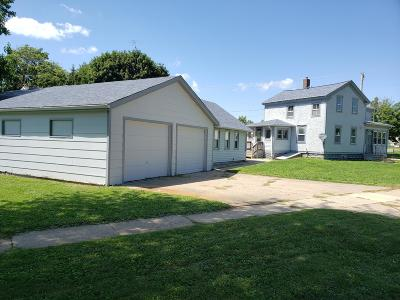 Delavan WI Single Family Home For Sale: $139,900