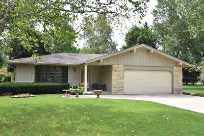 Oconomowoc Single Family Home Active Contingent With Offer: N59w35445 Surrey Dr