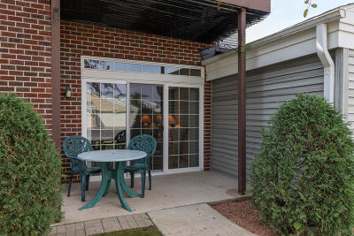 Pewaukee Condo/Townhouse Active Contingent With Offer: N16w26571 Tall Reeds Ln #UNIT C