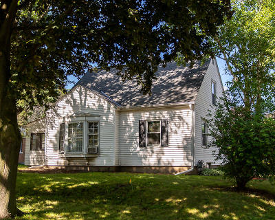 Greenfield Single Family Home Active Contingent With Offer: 3555 S 48th St