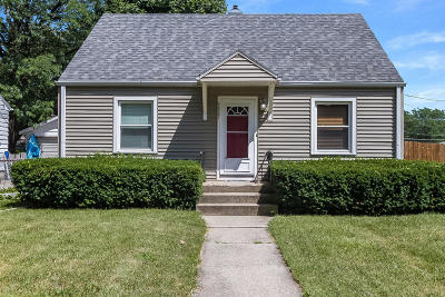 Kenosha Single Family Home Active Contingent With Offer: 5627 40th Ave