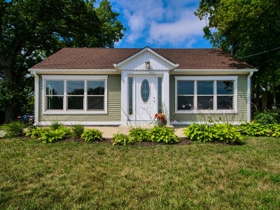 Pleasant Prairie WI Single Family Home For Sale: $209,900