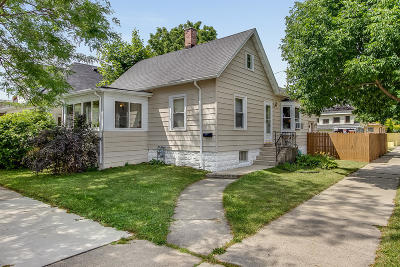 Racine Single Family Home For Sale: 2000 Case Ave