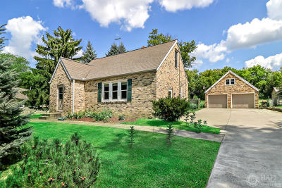 Racine County Single Family Home Active Contingent With Offer: 1209 N Emmertsen Rd