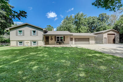 Mukwonago Single Family Home For Sale: S78w32552 Sugden Rd