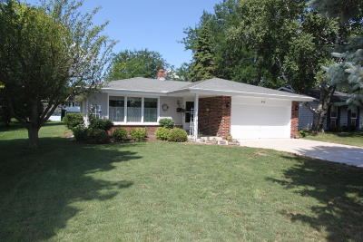 Elkhorn Single Family Home Active Contingent With Offer: 608 N Jackson St