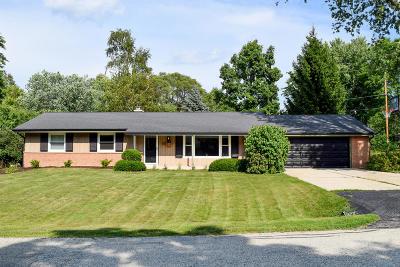 Ozaukee County Single Family Home For Sale: 404 Park Crest Dr