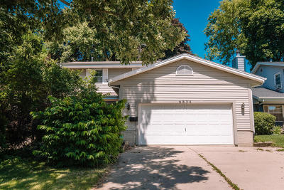 Milwaukee Single Family Home Active Contingent With Offer: 6834 Blanchard St