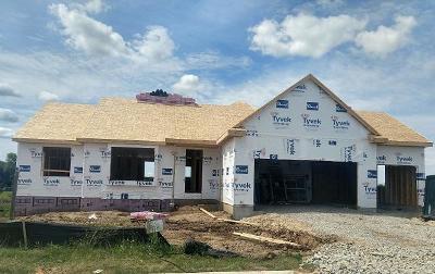 Oconomowoc Single Family Home For Sale: 1341 Bluestem Trl