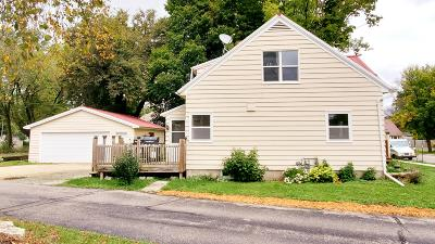 Cambridge Single Family Home For Sale: 406 W Water St
