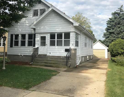 Kenosha Single Family Home Active Contingent With Offer: 7626 26th Ave
