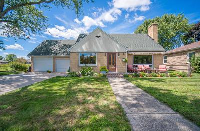 Kewaskum Single Family Home For Sale: 1157 Parkview Dr