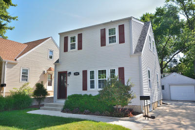 Single Family Home Active Contingent With Offer: 4526 S Pine Ave