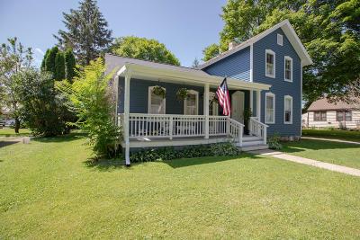 Lake Geneva Single Family Home For Sale: 930 Marshall St