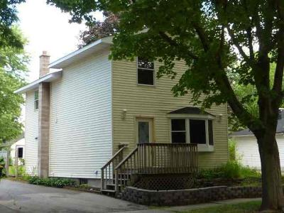 Fort Atkinson Single Family Home For Sale: 416 Clarence St