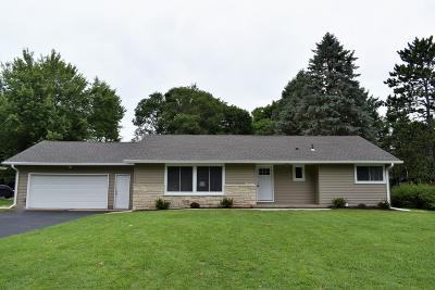 Oconomowoc Single Family Home Active Contingent With Offer: N54w37054 Yale St