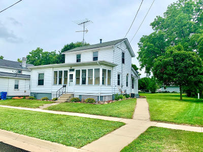 Watertown Single Family Home For Sale: 708 Emmet St