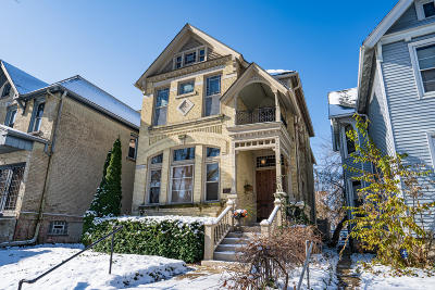 Milwaukee County Single Family Home For Sale: 1685 N Cass St