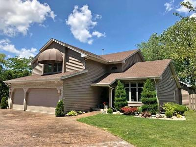 Pleasant Prairie WI Single Family Home For Sale: $559,900