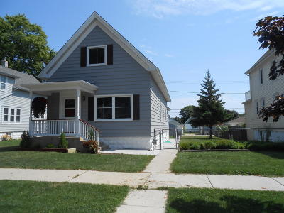 Milwaukee WI Single Family Home For Sale: $269,900