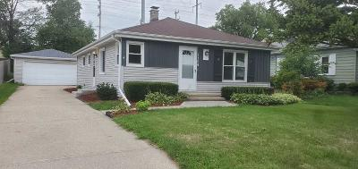 West Allis Single Family Home Active Contingent With Offer: 1109 S 98th St