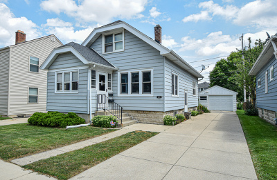 West Allis Single Family Home For Sale: 2118 S 89th St