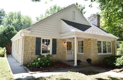 Single Family Home Active Contingent With Offer: 215 W Saveland Ave