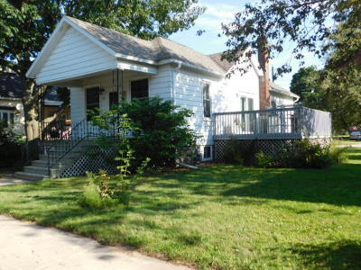 Menominee Single Family Home For Sale: 813 12th Ave