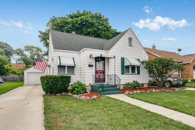 Kenosha Single Family Home Active Contingent With Offer: 4833 25th Ave