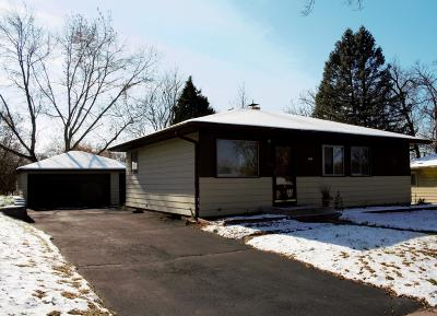Waukesha Single Family Home For Sale: 1945 Jan Ave