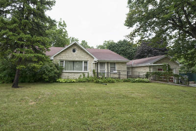 Milwaukee Single Family Home For Sale: 1930 W Henry Ave