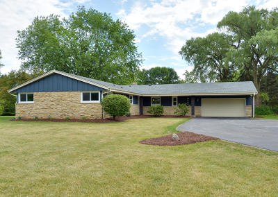 Bayside Single Family Home Active Contingent With Offer: 9444 N Sleepy Hollow Ln