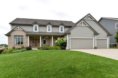 Ozaukee County Single Family Home For Sale: 1773 Valley Dr
