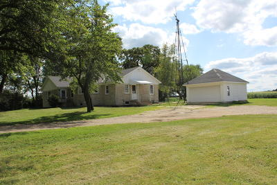 Delavan WI Single Family Home For Sale: $319,000
