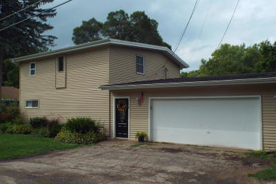 Walworth County Single Family Home For Sale: W1024 Geranium Rd