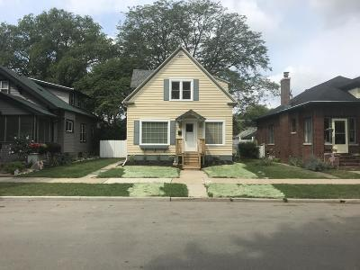 Racine Single Family Home For Sale: 816 Blaine Ave