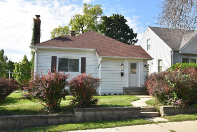 West Allis Single Family Home For Sale: 9003 W Greenfield Ave
