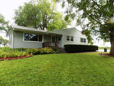 Mukwonago Single Family Home Active Contingent With Offer: S88w25815 Edgewood Ave
