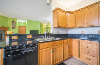 Franklin Condo/Townhouse For Sale: 7949 S Scepter Dr #4