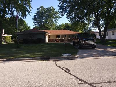 Milwaukee County Single Family Home For Sale: 9060 W Bottsford Ave