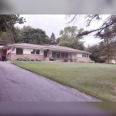Brookfield Single Family Home For Sale: 3315 Hidden Hills Dr
