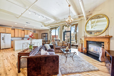 Milwaukee County Condo/Townhouse For Sale: 400 N Broadway #704