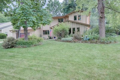 New Berlin Single Family Home Active Contingent With Offer: 12725 W Weatherstone Blvd