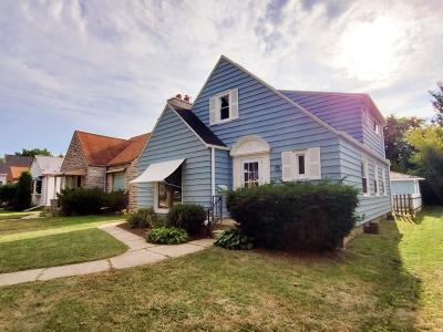 Milwaukee WI Single Family Home For Sale: $219,900