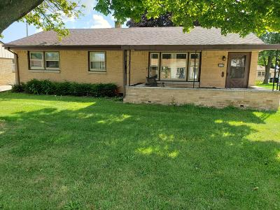 Greenfield Single Family Home For Sale: 4452 S 66th